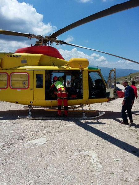 Elicottero Soccorso Alpino : Elicottero precipita in abruzzo salvi i due occupanti