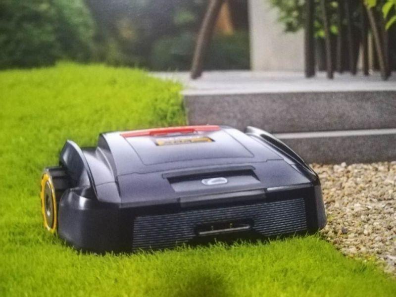 Devi tagliare l erba al giardino da oggi ci pensa il robot in